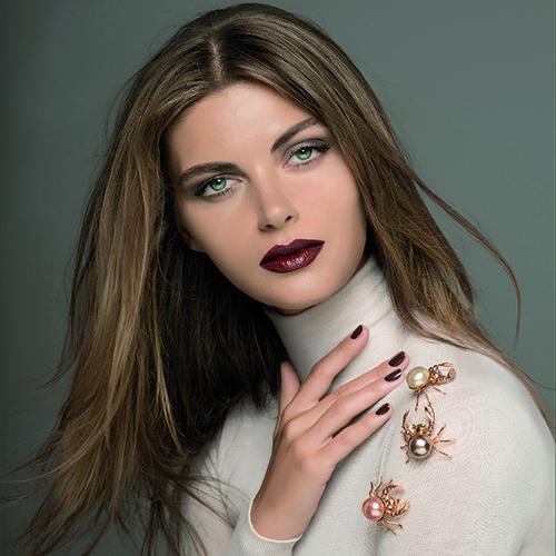 Nouba Flawless Style makeup